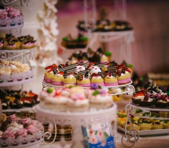 prajituri-colorate-candy-bar-nunta-cluj